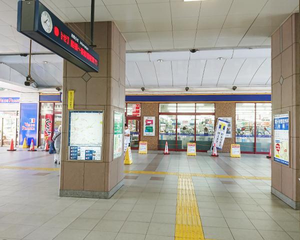 鎌ヶ谷駅を改札降りて正面図
