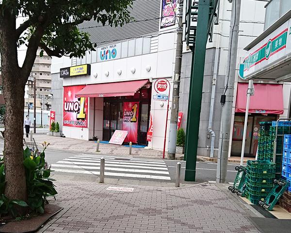 右手側に100円ローソンがあるのでそこを右に曲がります